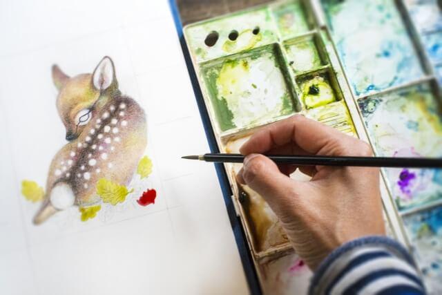 水彩画を描く人